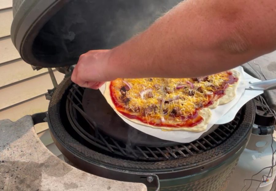 Own - Homemade Bbq Brisket Pizza on the Big Green Egg (Kamado) - Add Pizza to the Big Green Egg