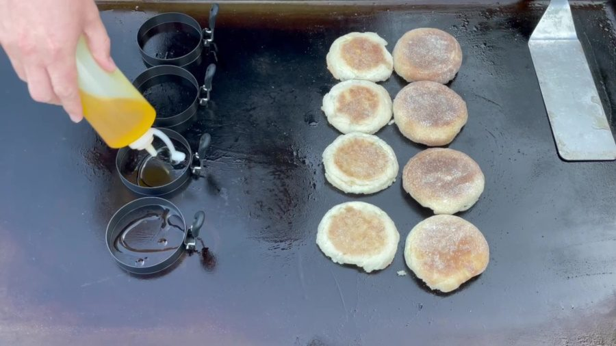 Egg McMuffin's on the Blackstone Griddle - Create a Egg Ring Seal